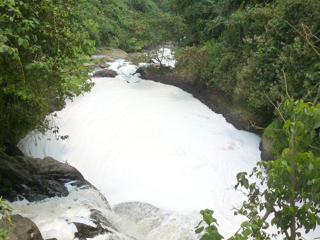 que cantidad de Espuma se forma sobre el rio sordo..!